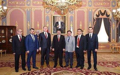 ÇSD Yönetim Kurulu Sayın Valimiz Vasip Şahin'i Makamında Ziyaret etti.